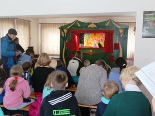Puppentheater in der unteren Etage der Tourist-Information