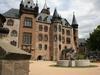 Schlossterrasse-Schlosseingang-teaser