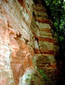 Buntsandsteinwand Nebra