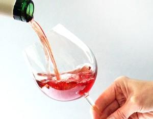 tn300x300 weinglas Trauben und Wein
