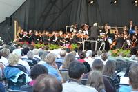 Das Jugendsinfonieorchester Sachsen-Anhalt spielt im Schlosspark Moritzburg Zeitz